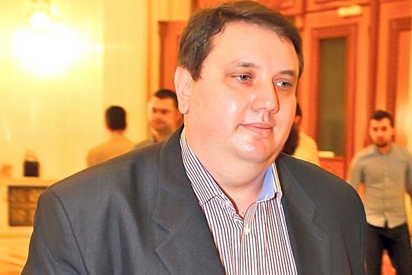 """ADRIAN DUICU: """"E SFÂRȘITUL POLITIC AL LUI DRAGNEA, UN CARACTER MIZERABIL, A FĂCUT MULT RĂU PSD!"""""""