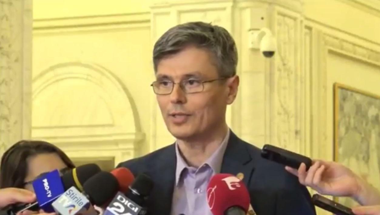 """Virgil Popescu: """"PSD și ALDE au aprobat o lege care dinamitează interesul de securitate energetică a României"""""""