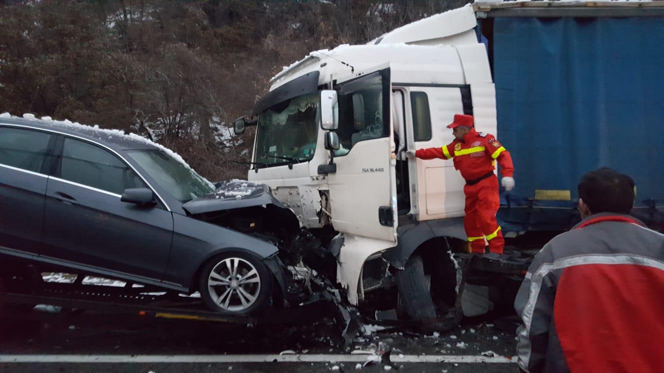 GRAV ACCIDENT ÎN APROPIERE DE PORȚILE DE FIER I