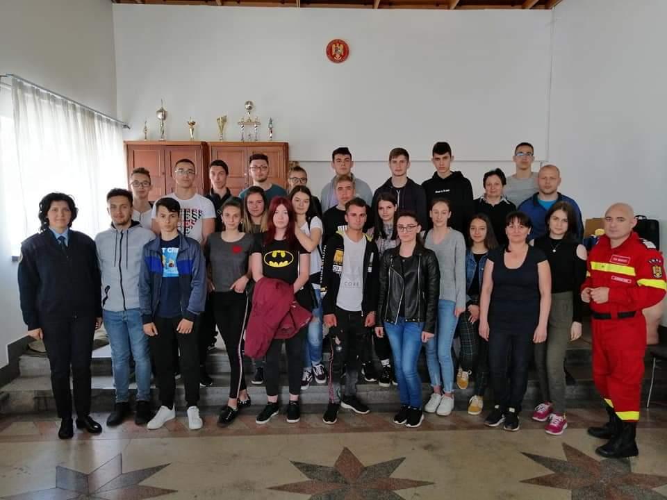 Peste 40 de noi voluntari la ISU Mehedinți