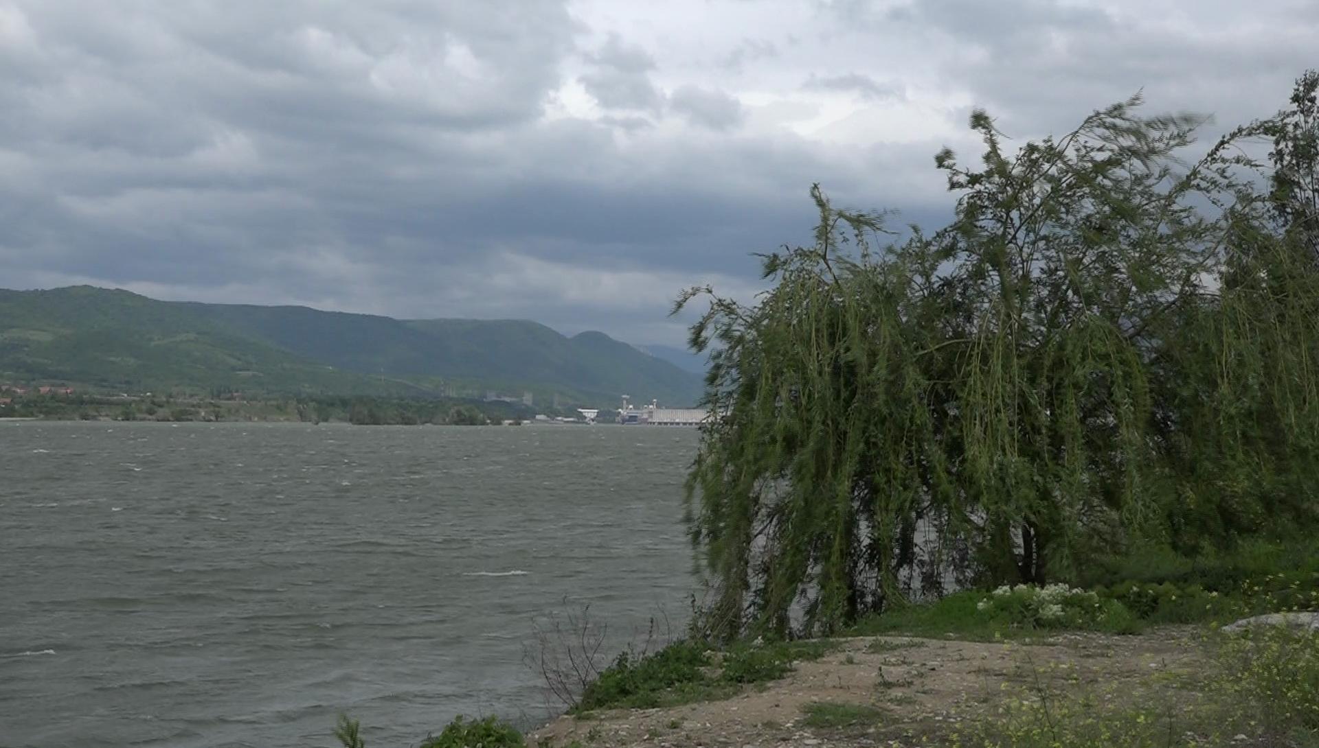 Vremea. ANM a emis un nou Cod Galben de vânt puternic valabil în Capitală, dar și în alte 19 județe din România, printre care şi  judeţul Mehedinţi. Avertizarea este valabilă trei ore.