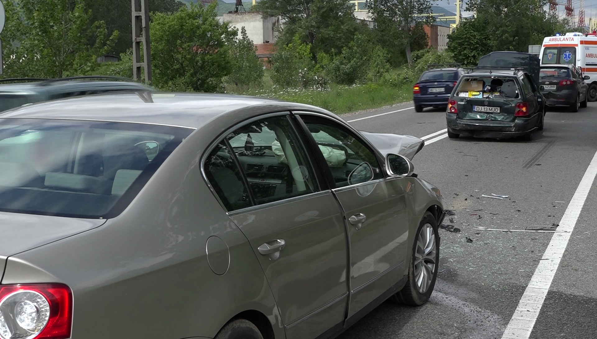 ACCIDENT CU TREI AUTOTURISME ÎN LOCALITATEA GURA VĂII