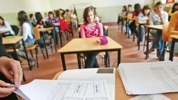 A început Evaluarea Naţională la Limba română