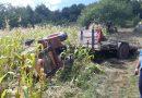 Un tractor, în care se afla și un minor de 11 ani, s-a răsturnat pe câmp, în comuna Ponoarele. Băiatul a fost transportat la spital cu un elicopter SMURD.